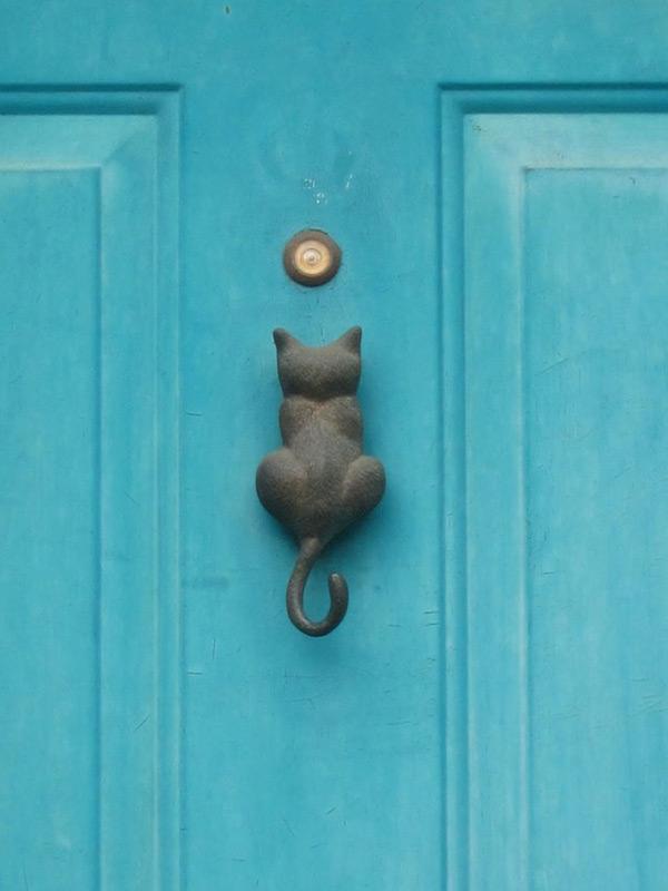 Дверная ручка в виде кошки