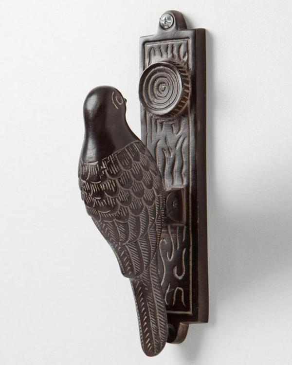 Дверная ручка в виде птицы